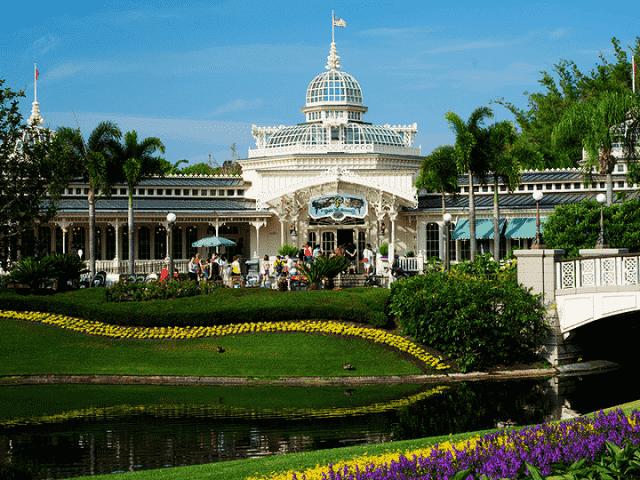 Restaurante Crystal Palace Disney no Magic Kingdom