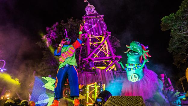 Show no H2O Glow Nights no Typhoon Lagoon Orlando