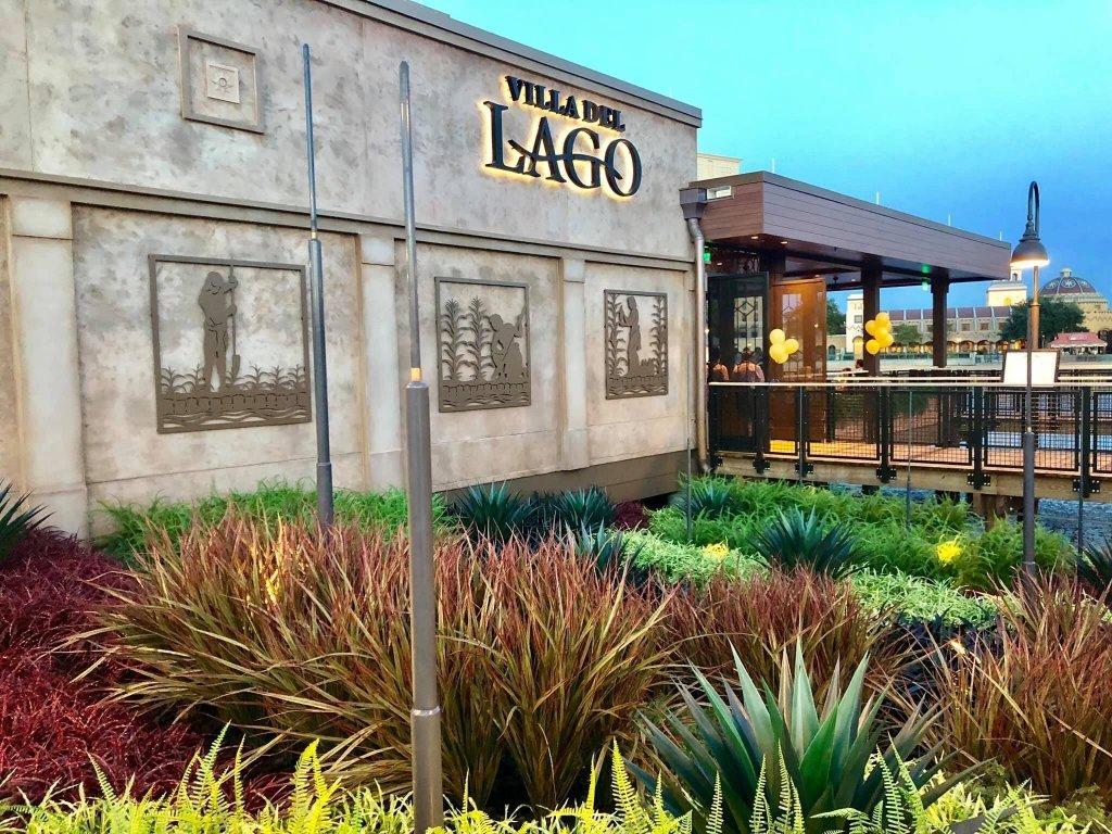 Fachada Restaurante Three Bridges Bar & Grill at Villa del Lago em Orlando
