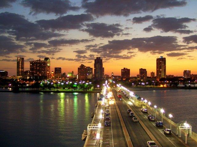 O que fazer à noite em São Petersburgo